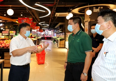 吴晖检查疫情防控工作:一如既往加强公共场所疫情防控