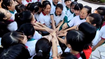 """梅州V视丨梅州3.14万考生今天走进考场,迎来人生一大""""考"""",这些暖心瞬间激励人心!"""