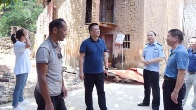 五华县领导到安流镇福岭村开展脱贫攻坚督导检查工作