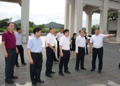陈建青率队到嘉应学院调研:充分发挥优势 助力梅州经济社会发展