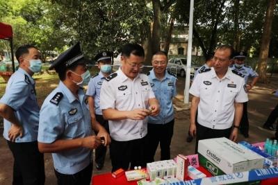 宁惠军到梅县区高考考点检查督导安保工作