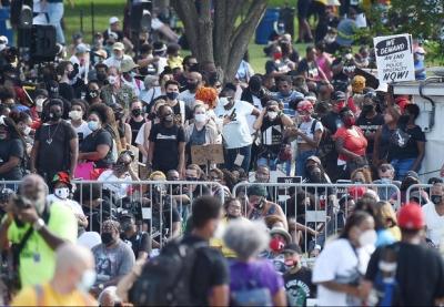 美国民众怒火再燃 首都华盛顿举行大规模反种族主义游行