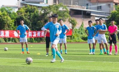 """奔跑吧,足球少年!梅州首届""""满天星""""精英训练营开营啦~"""