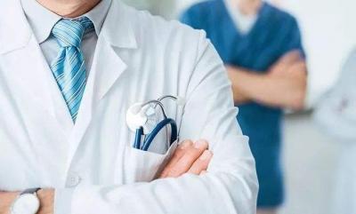 """全国首例!梅州市人民医院完成""""预激综合征射频消融术+髂动脉夹层腔内隔绝术+肾动脉支架植入术""""复合手术"""