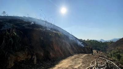 严惩!丰顺一村民焊接牛棚水槽引山火,过火面积达8.6亩
