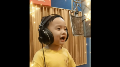 """实力""""圈粉""""!4岁萌娃为梅州柚代言"""