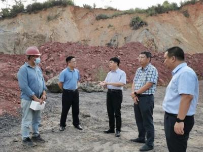市第二督导组到梅县区开展中央生态环境保护督察边督边改工作